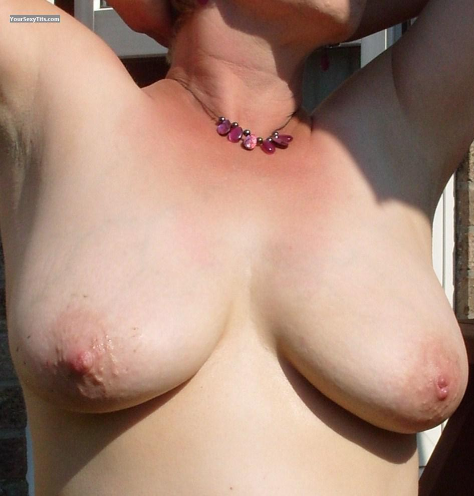 Tit Flash: Big Tits - Sexy Sue from United Kingdom