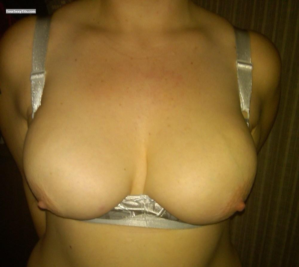 Tit Flash: Big Tits - Sara from United Kingdom