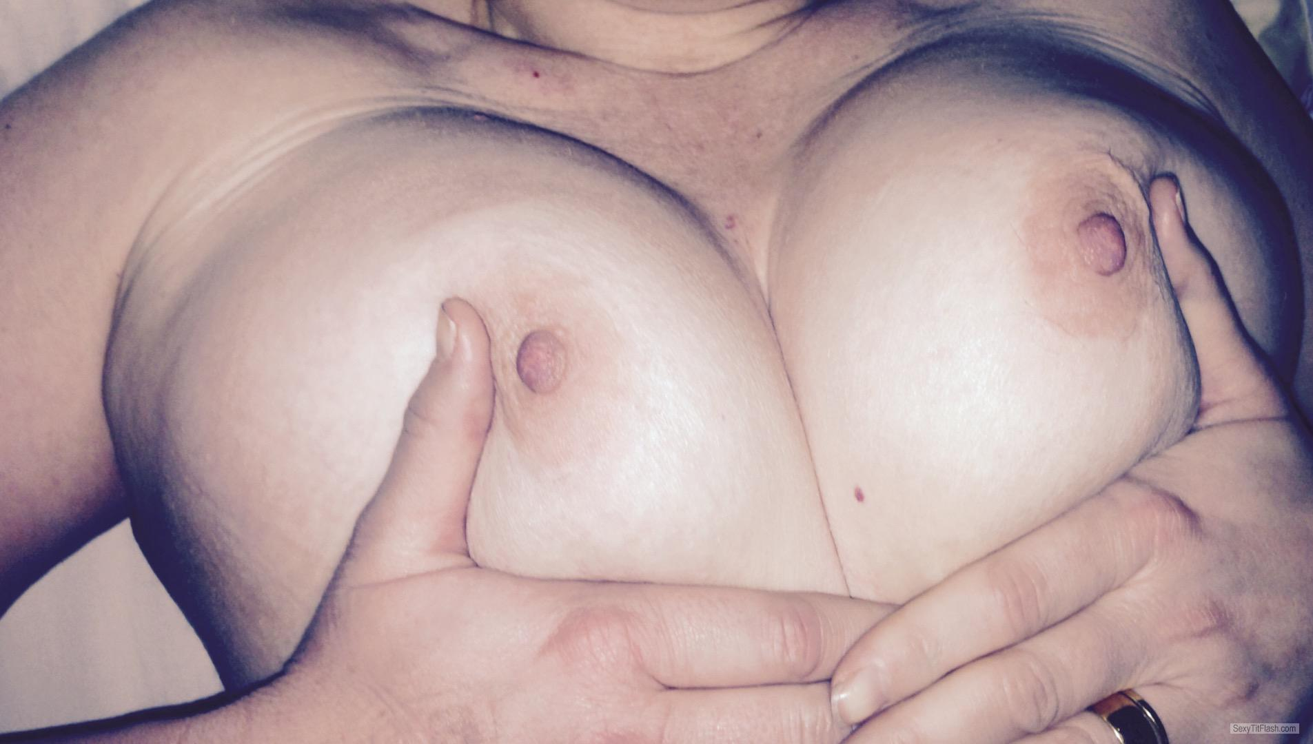 Tit Flash: Wife's Big Tits - Topless Titsucker from United Kingdom