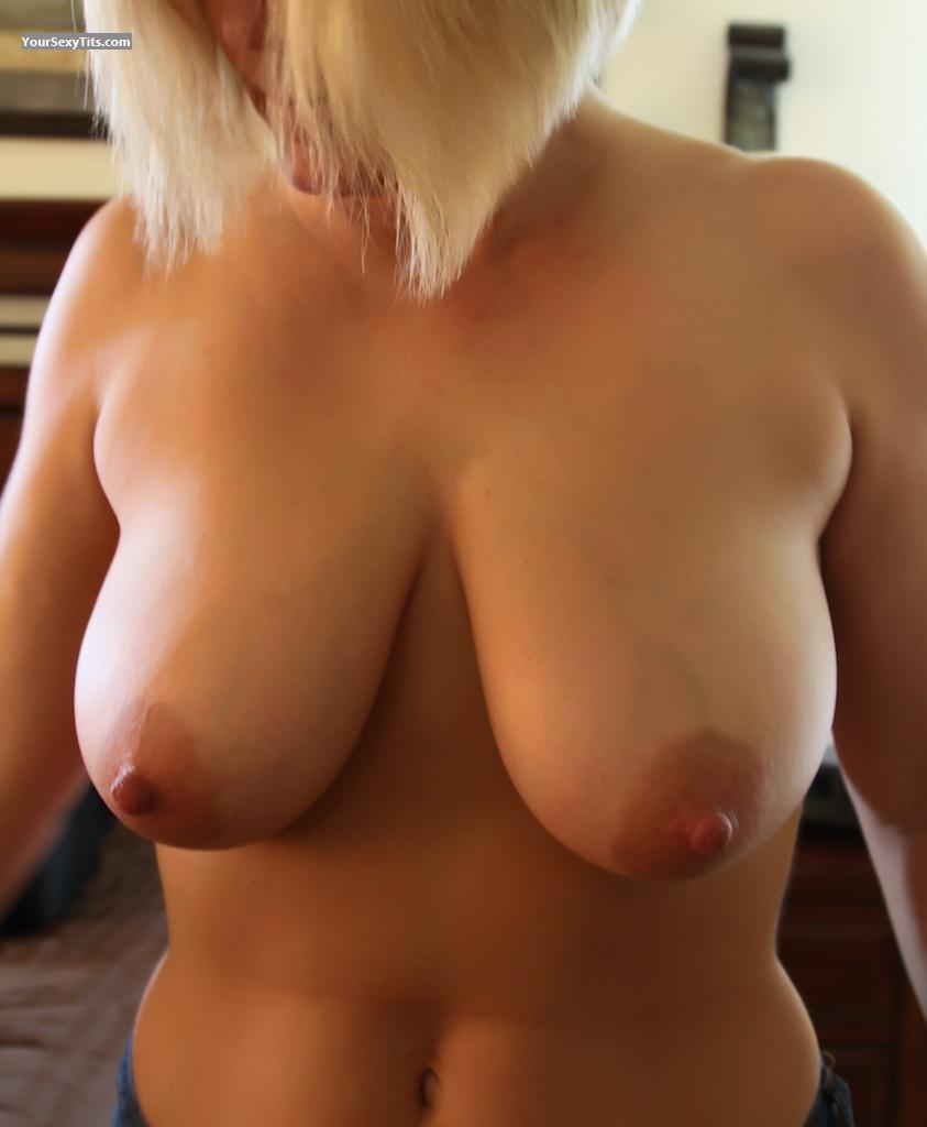Tit Flash: Big Tits - Barb from United States