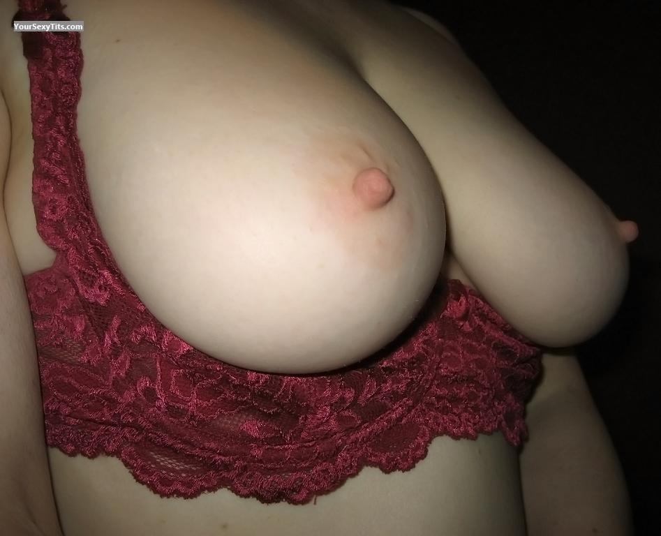 Tit Flash: Big Tits - Zoe from United Kingdom
