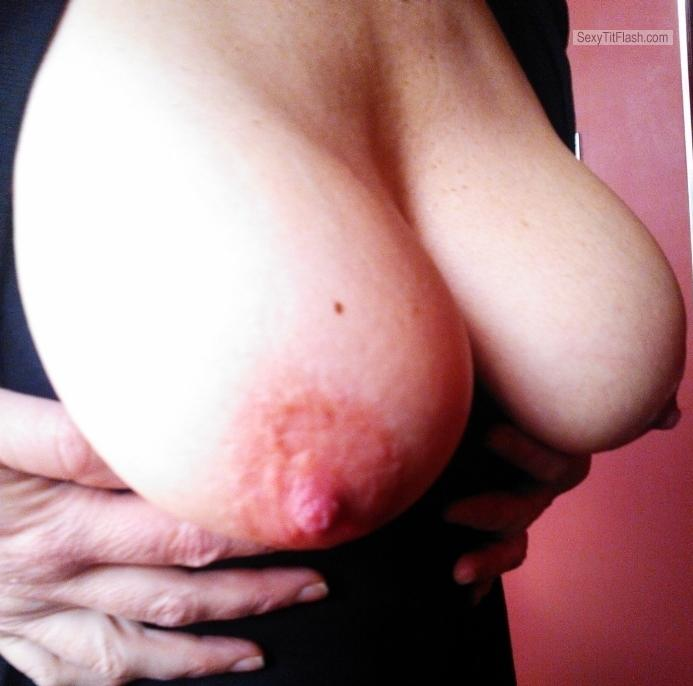 Tit Flash: Wife's Big Tits - Lena from United Kingdom