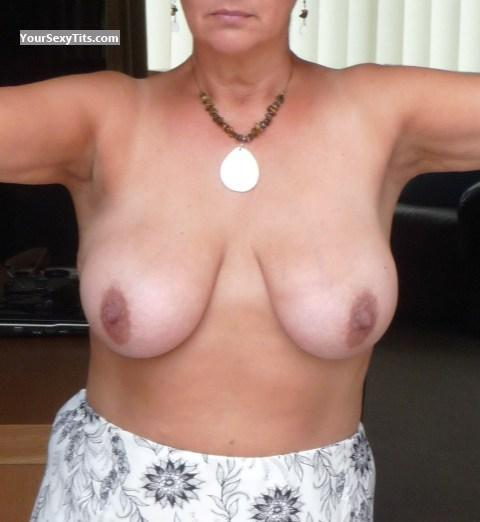 Tit Flash: Big Tits - Linnet from United Kingdom