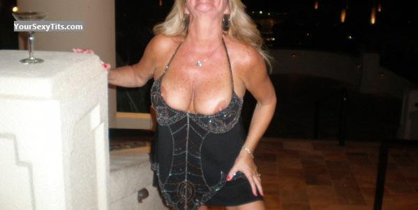 Tit Flash: Big Tits - RCFunsun from United States