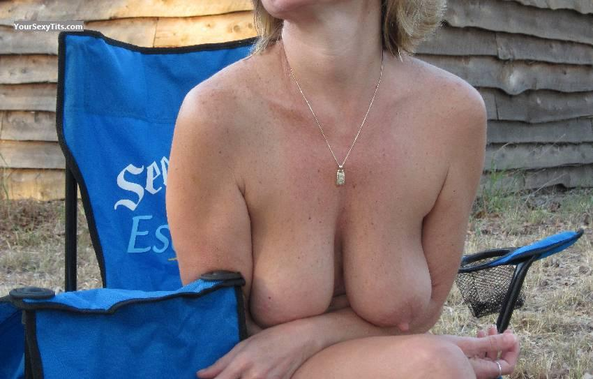 Tit Flash: Wife's Big Tits - Flasher from United States
