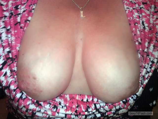 Tit Flash: My Medium Tits (Selfie) - BusyBee from United States