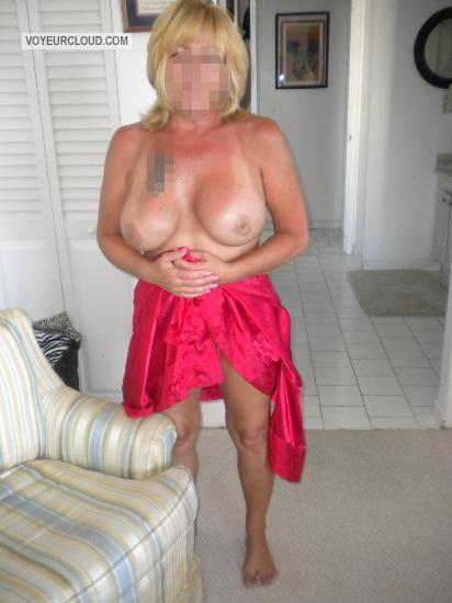 Tit Flash: Wife's Big Tits With Strong Tanlines - PixieK from United States