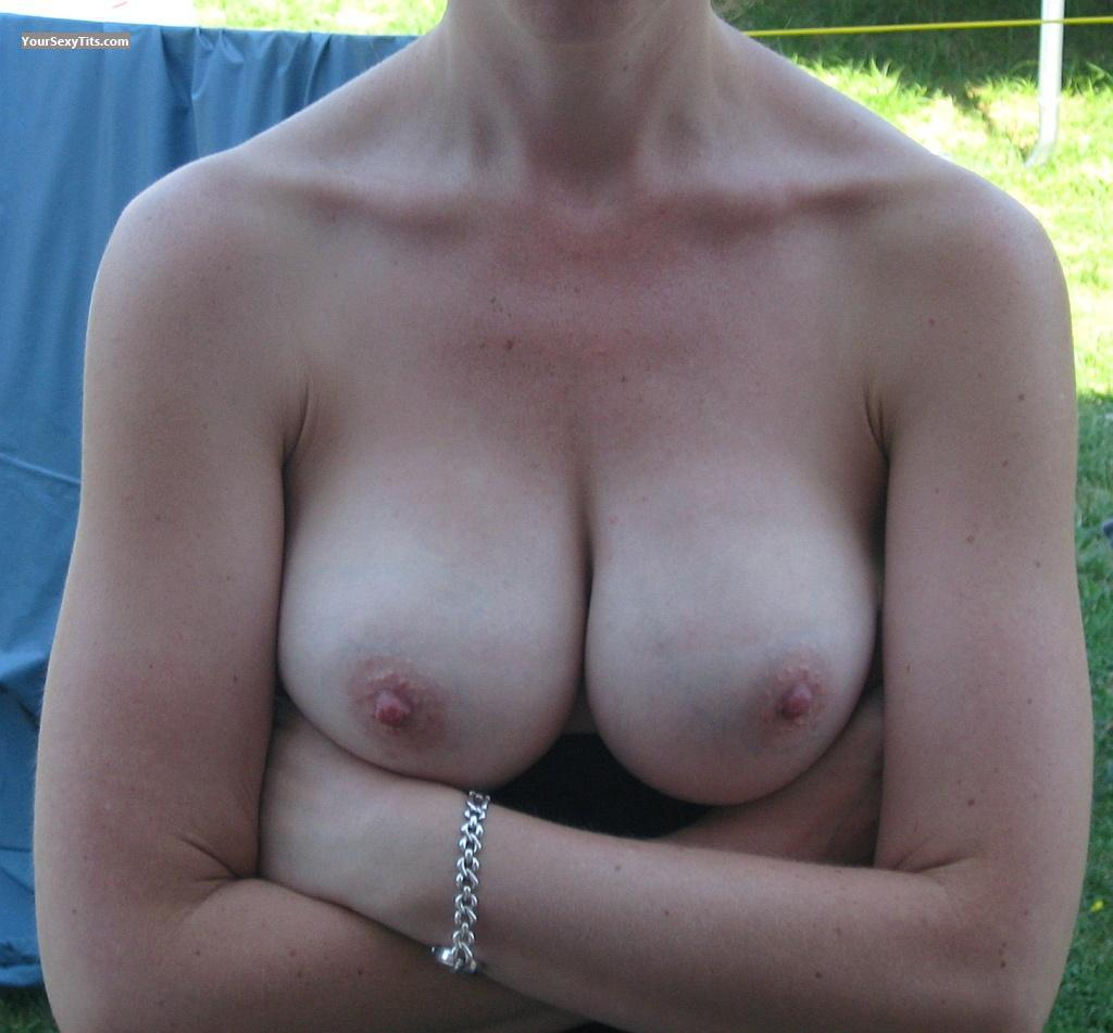 Big Tits Flashingwife