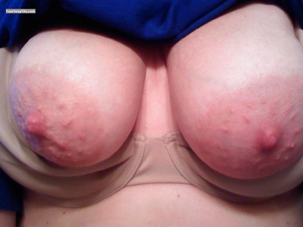 Tit Flash: Big Tits - Areolagirl from United States