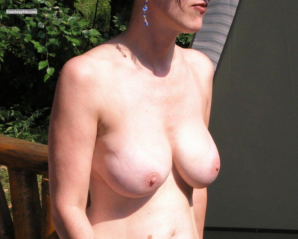 Skinny milf big boobs