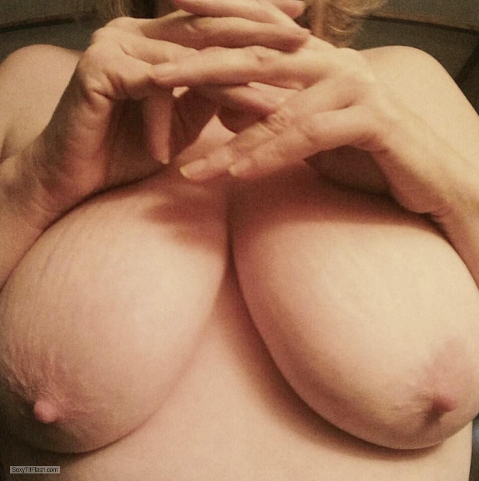 Big Tits Of A Candid Woman Hangers