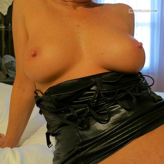 Tit Flash: Wife's Medium Tits - My Sexy Wife from United States