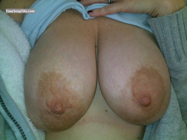 Tit Flash: My Big Tits (Selfie) - Twin Peeks from United States