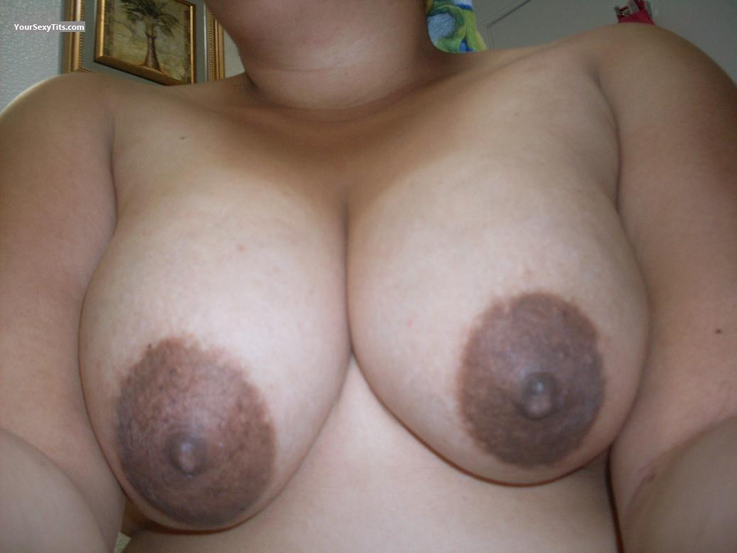 A quick tittie flash while shopping 1