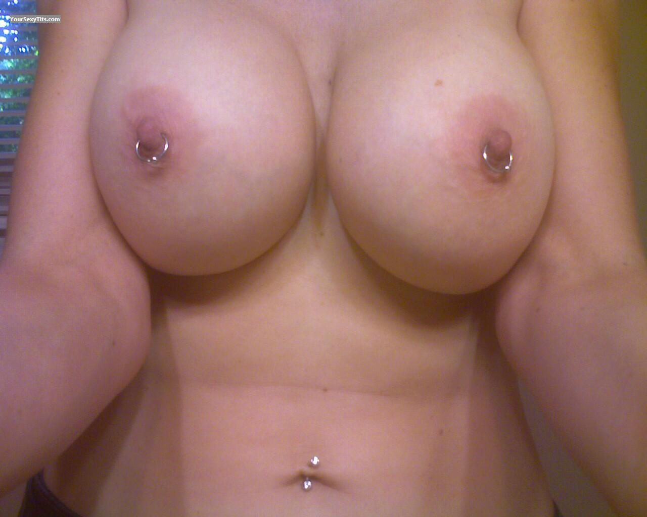 my friend's big tits (selfie) - friend from united states tit flash