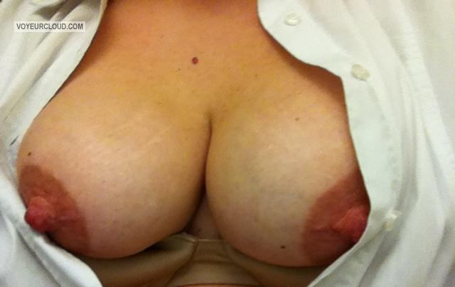 Tit Flash: Wife's Big Tits (Selfie) - Pinkwife from United States
