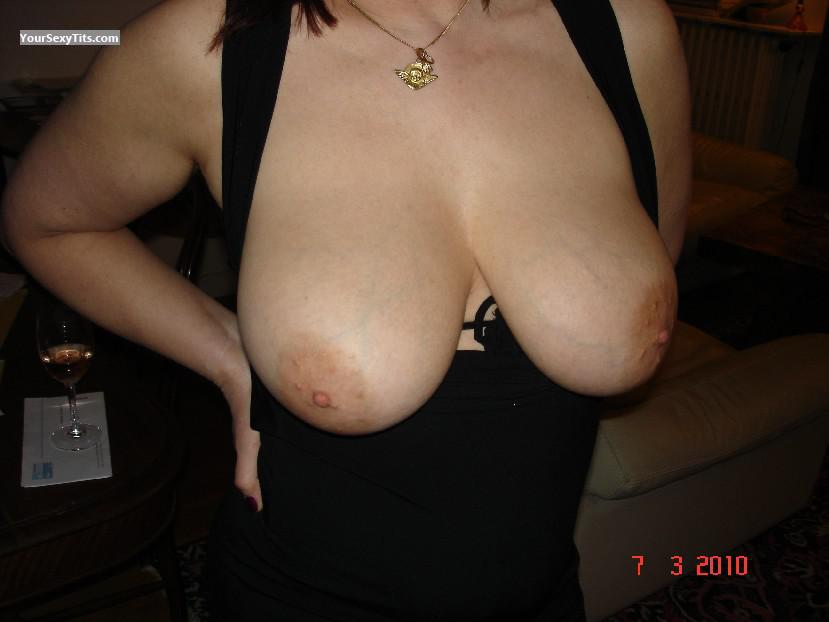 Tit Flash: Big Tits - Isanatu from France