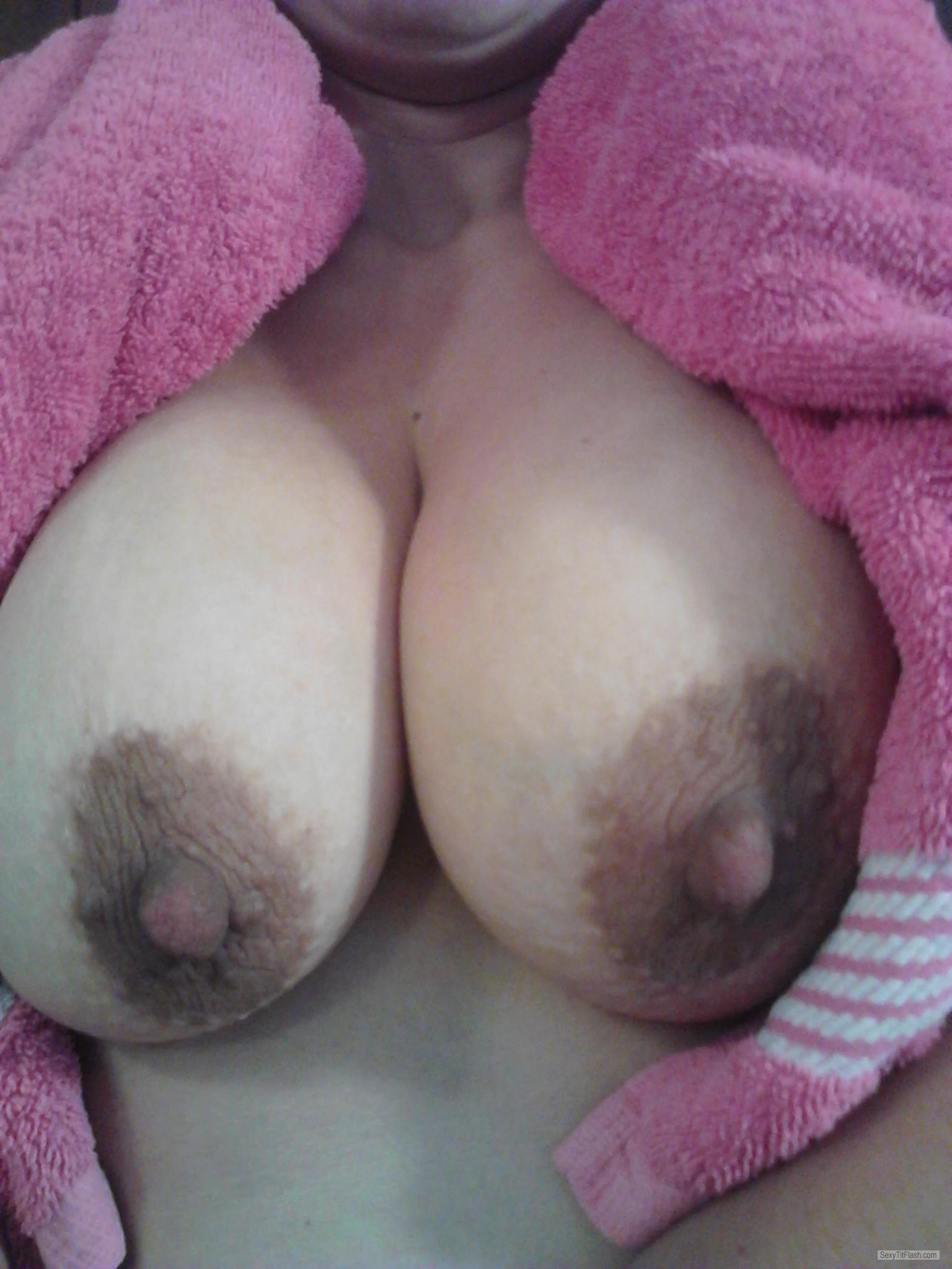 Big Tits Of My Wife Roxy1976