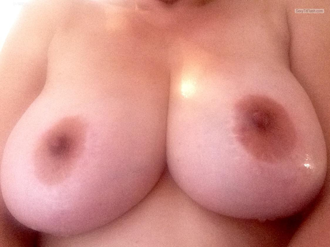 Tit Flash: Wife's Big Tits (Selfie) - Hot Hayley from United Kingdom