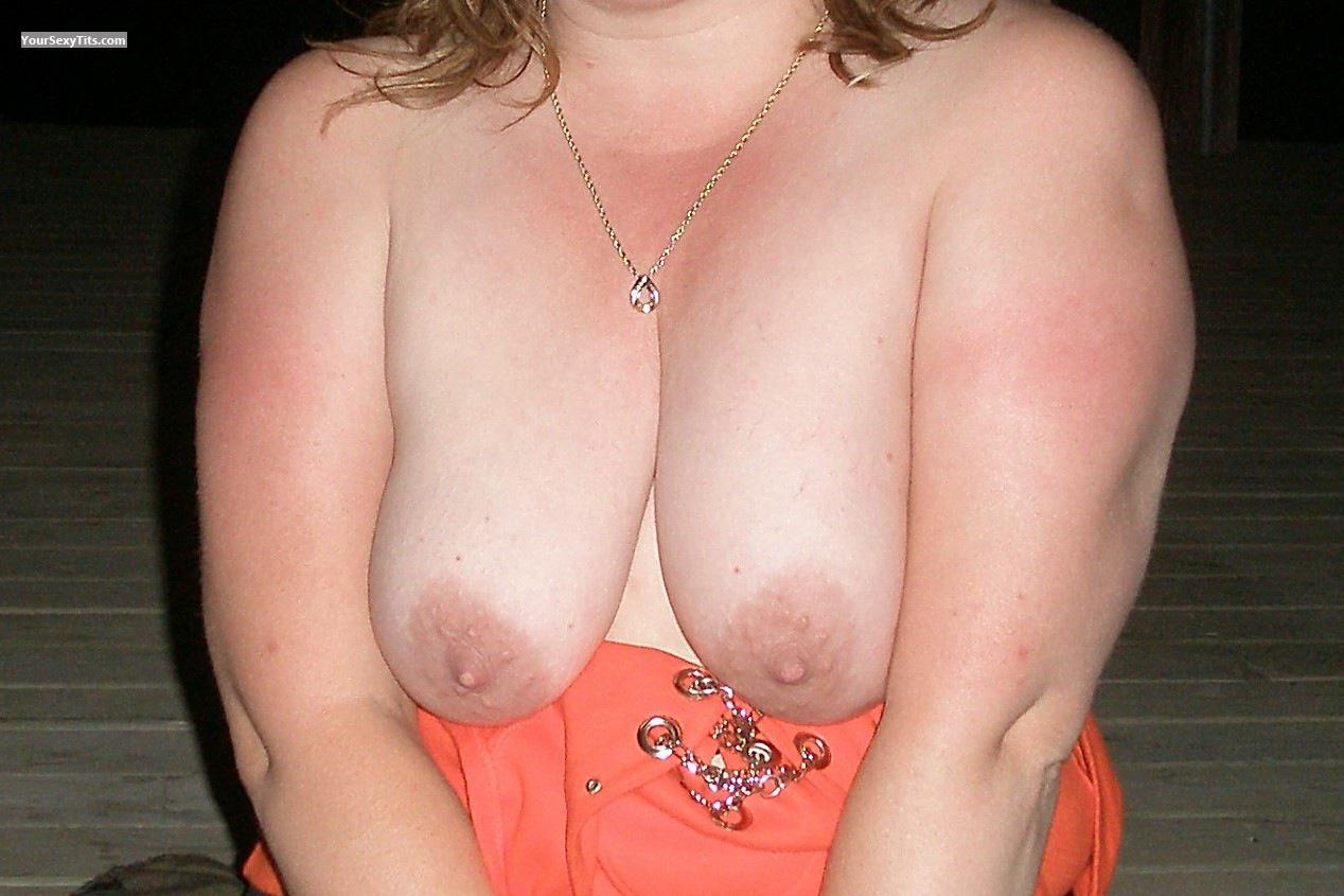 Tit Flash: Big Tits - Boobies from United States