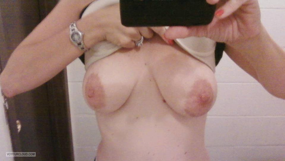 Tit Flash: My Medium Tits (Selfie) - Scarlet from United States