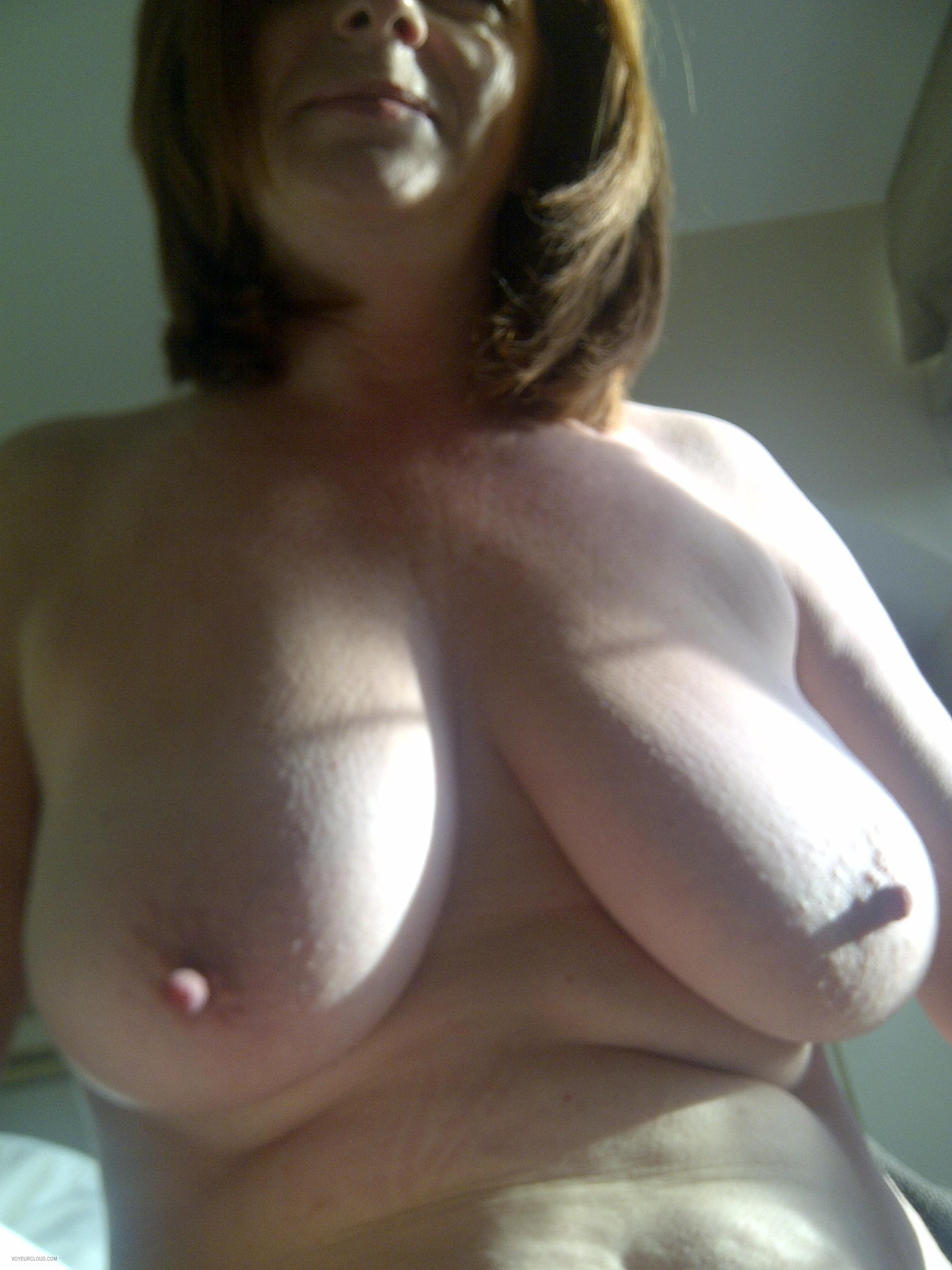 wife flashing tits