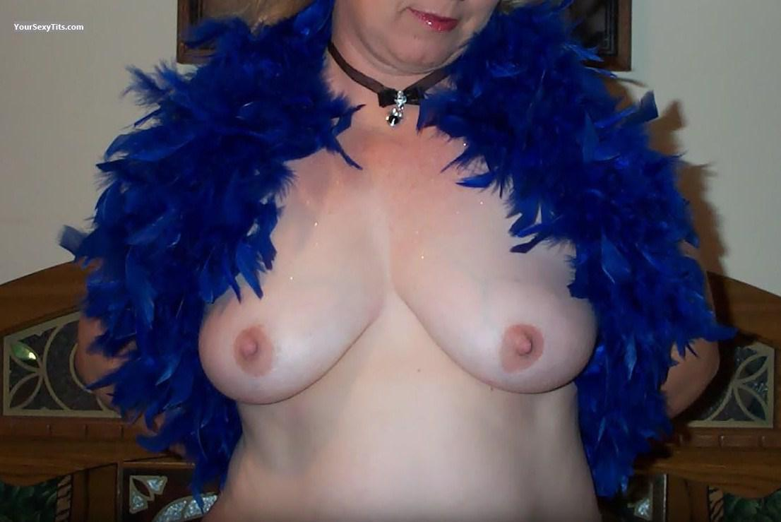 Tit Flash: Big Tits - Feather Buster from United States