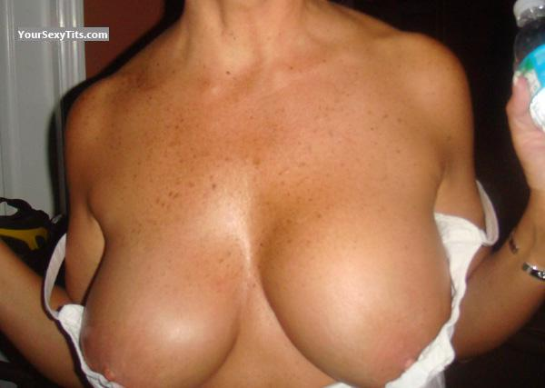 Tit Flash: Big Tits - Catara from United States
