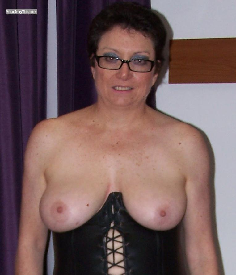 Tit Flash: Big Tits - Topless Aussie Sam from United Kingdom
