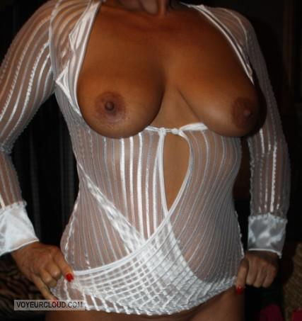Tit Flash: Wife's Small Tits - Sexy Wife Lisa from United States