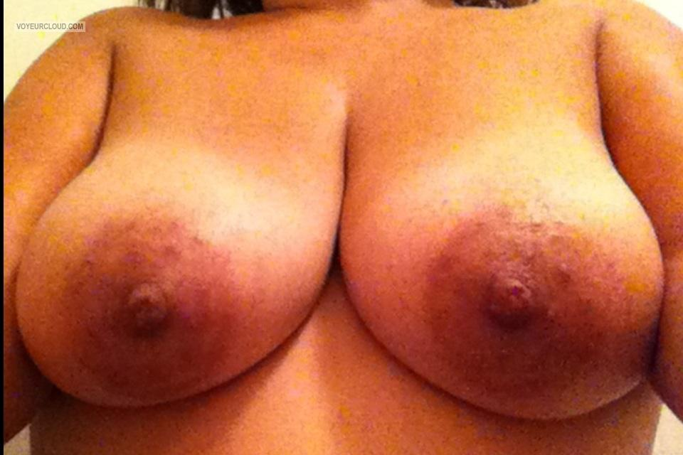 Tit Flash: Wife's Big Tits (Selfie) - 35yroldwife from United States