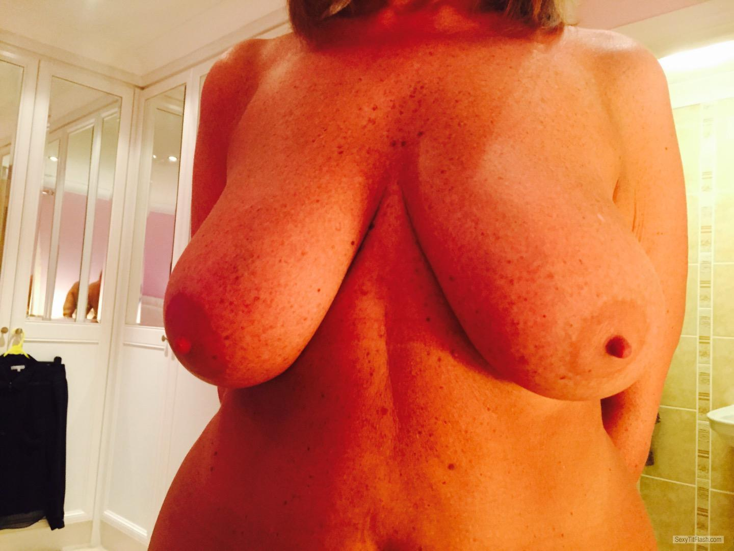 Tit Flash: My Big Tits (Selfie) - Flirt from United States
