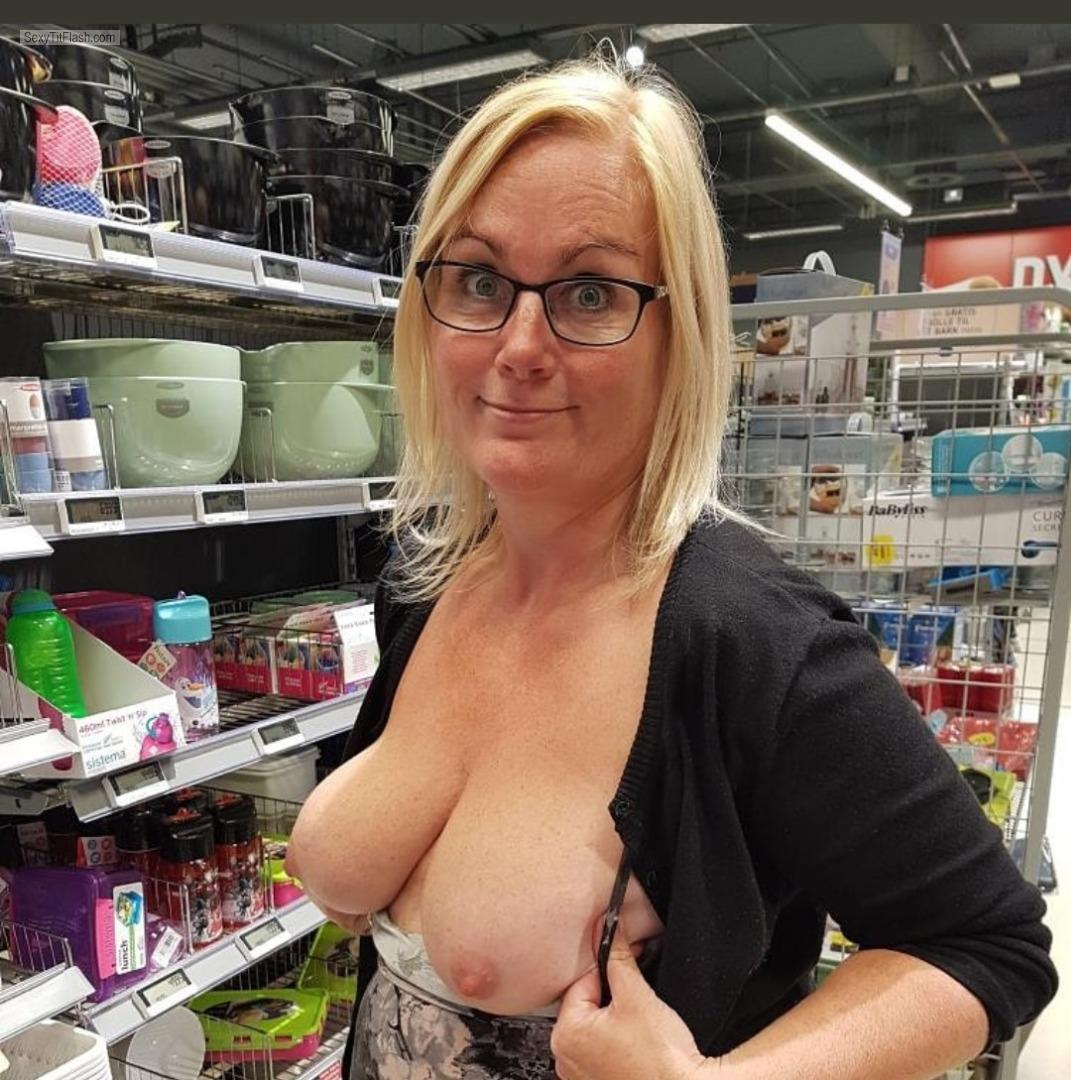 Tit Flash: My Big Tits - Topless Sexy Sue from United Kingdom