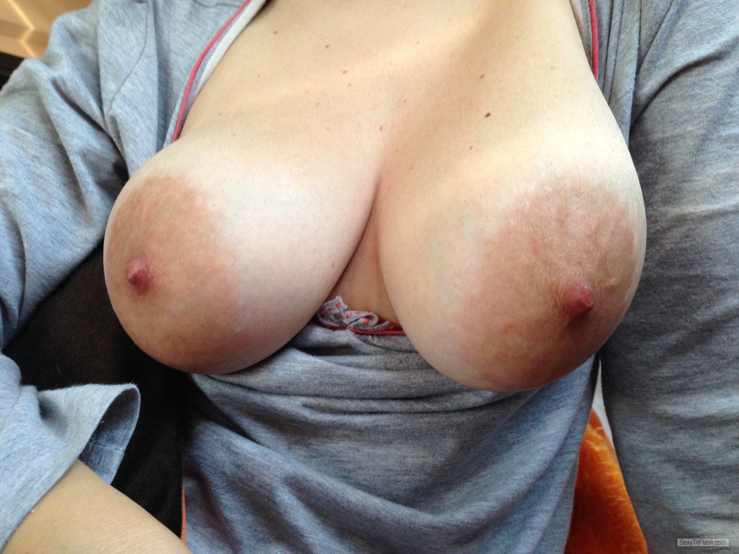 Tit Flash: Wife's Big Tits - Boobaliscious from United Kingdom
