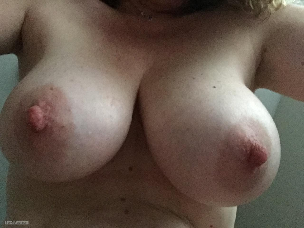 Tit Flash: Wife's Big Tits (Selfie) - Cmp from United Kingdom