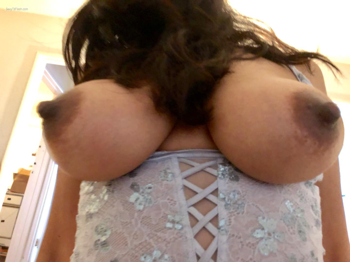 Tit Flash: Girlfriend's Big Tits (Selfie) - Alma from United States