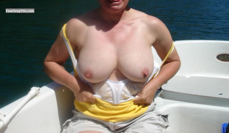 Tit Flash: Big Tits - Franchey from United Kingdom