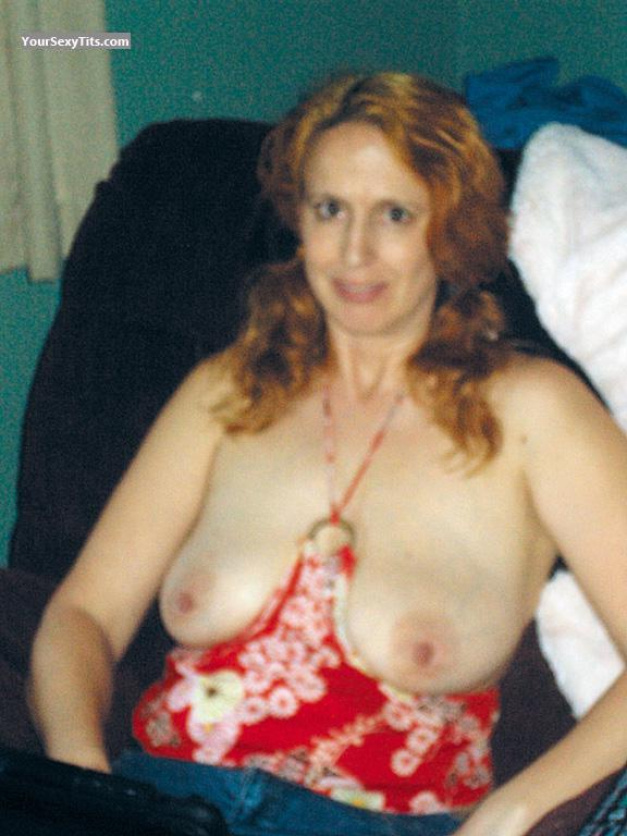 Big Tits Of My Wife Topless Rere