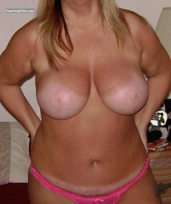 Tit Flash: Wife's Big Tits - Bambi from United States