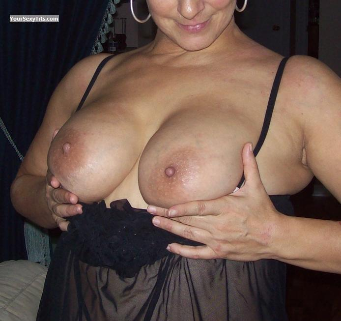 Tit Flash: Wife's Big Tits - Wife's Boobs from Canada
