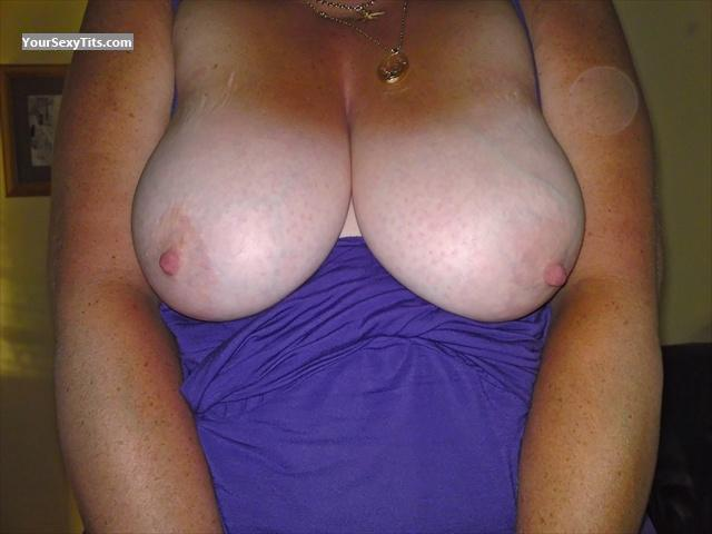 Tit Flash: Big Tits - Anne from United Kingdom