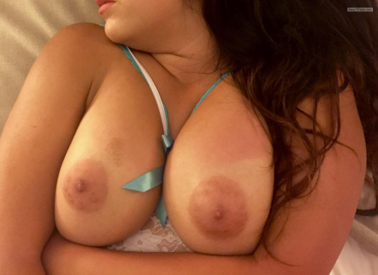 Tit Flash: Girlfriend's Big Tits - Bigguns from United States