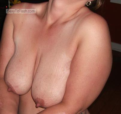 Tit Flash: Wife's Big Tits - TITTYMEATS from United States