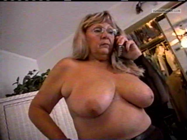 Tit Flash: Wife's Big Tits - Topless MARIE from United States