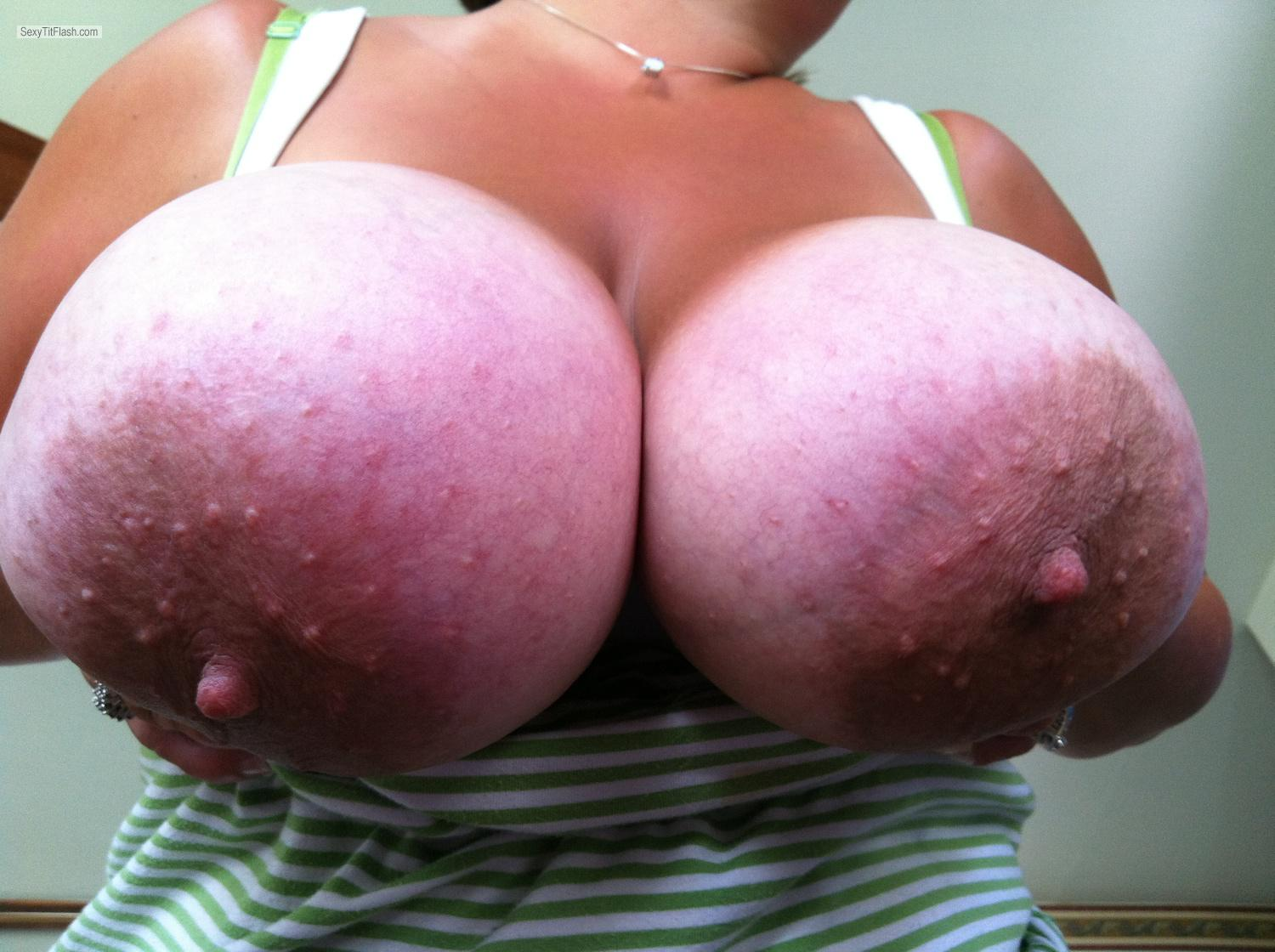 Tit Flash: Extremely Big Tits By IPhone - Mandy6980 from United States