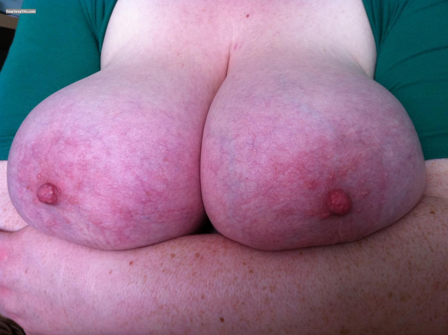 Tit Flash: Extremely Big Tits By IPhone - Dru from United Kingdom
