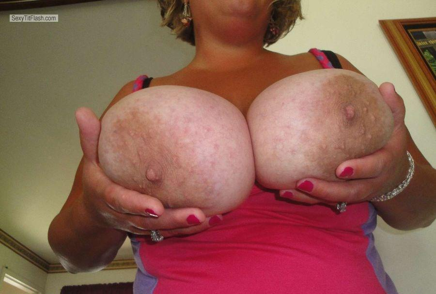 Tit Flash: Extremely Big Tits By IPhone - Mandy6989 from United States