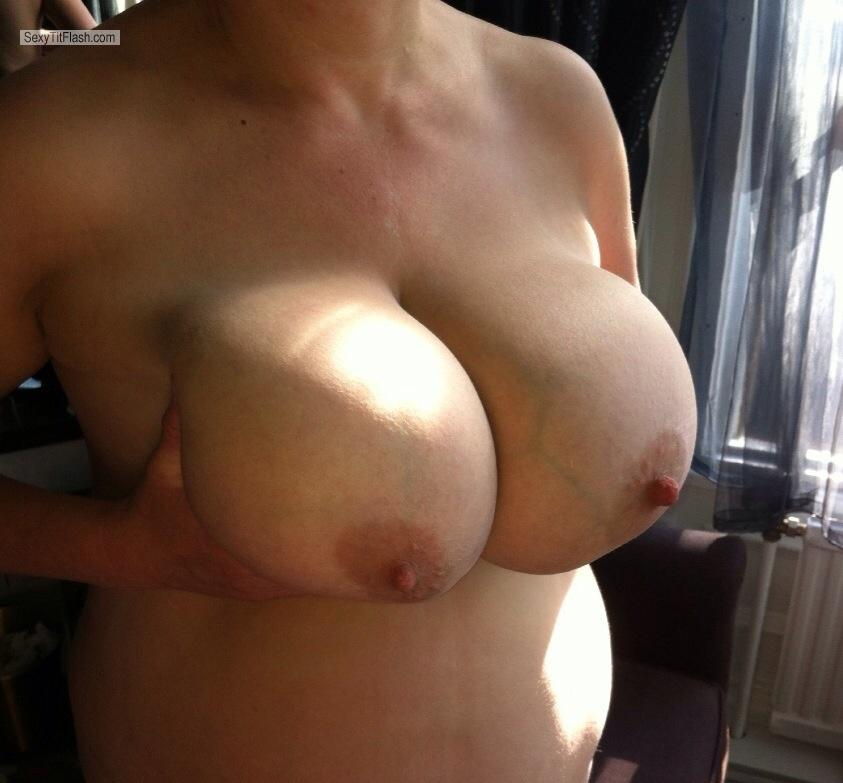 Tit Flash: Extremely Big Tits By IPhone - Sexylady from United States