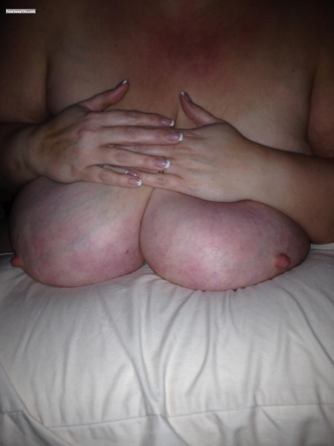 Tit Flash: Extremely Big Tits By IPhone - Djtalons from United Kingdom