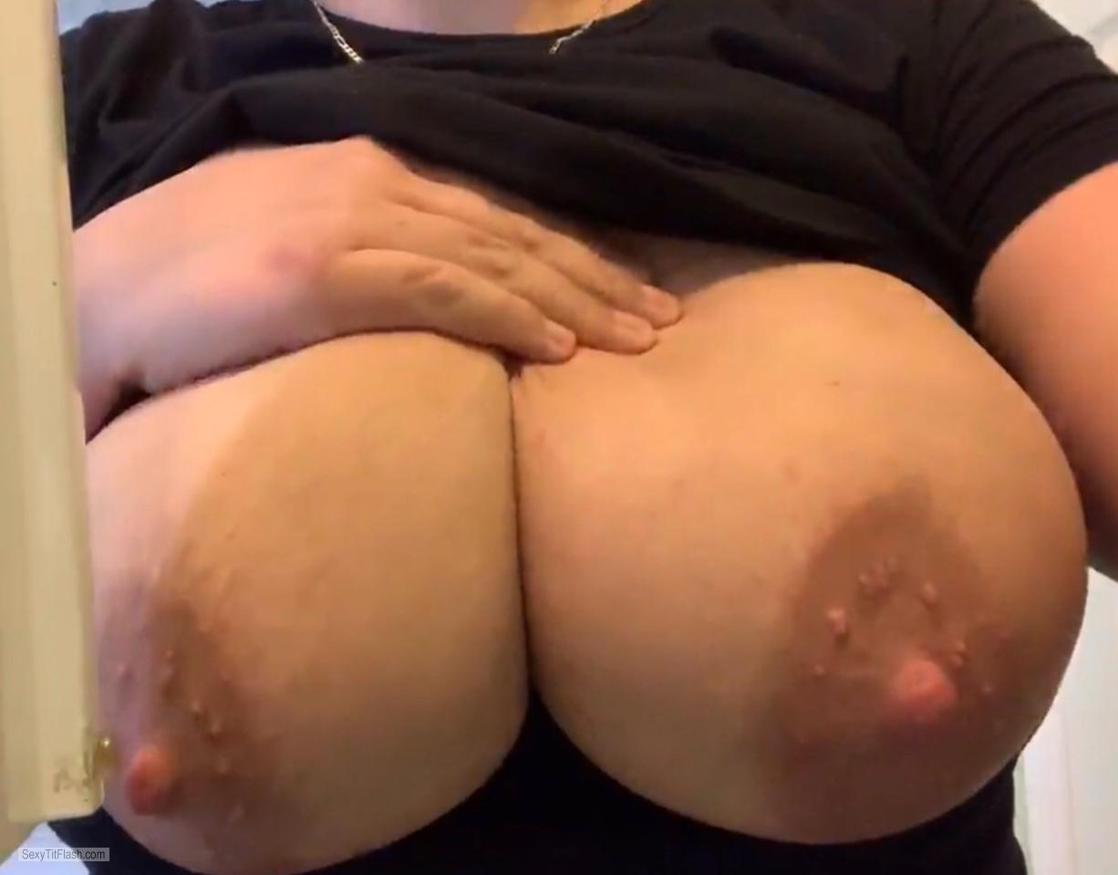 Tit Flash: My Extremely Big Tits - Wife's Mangoes from Saudi Arabia